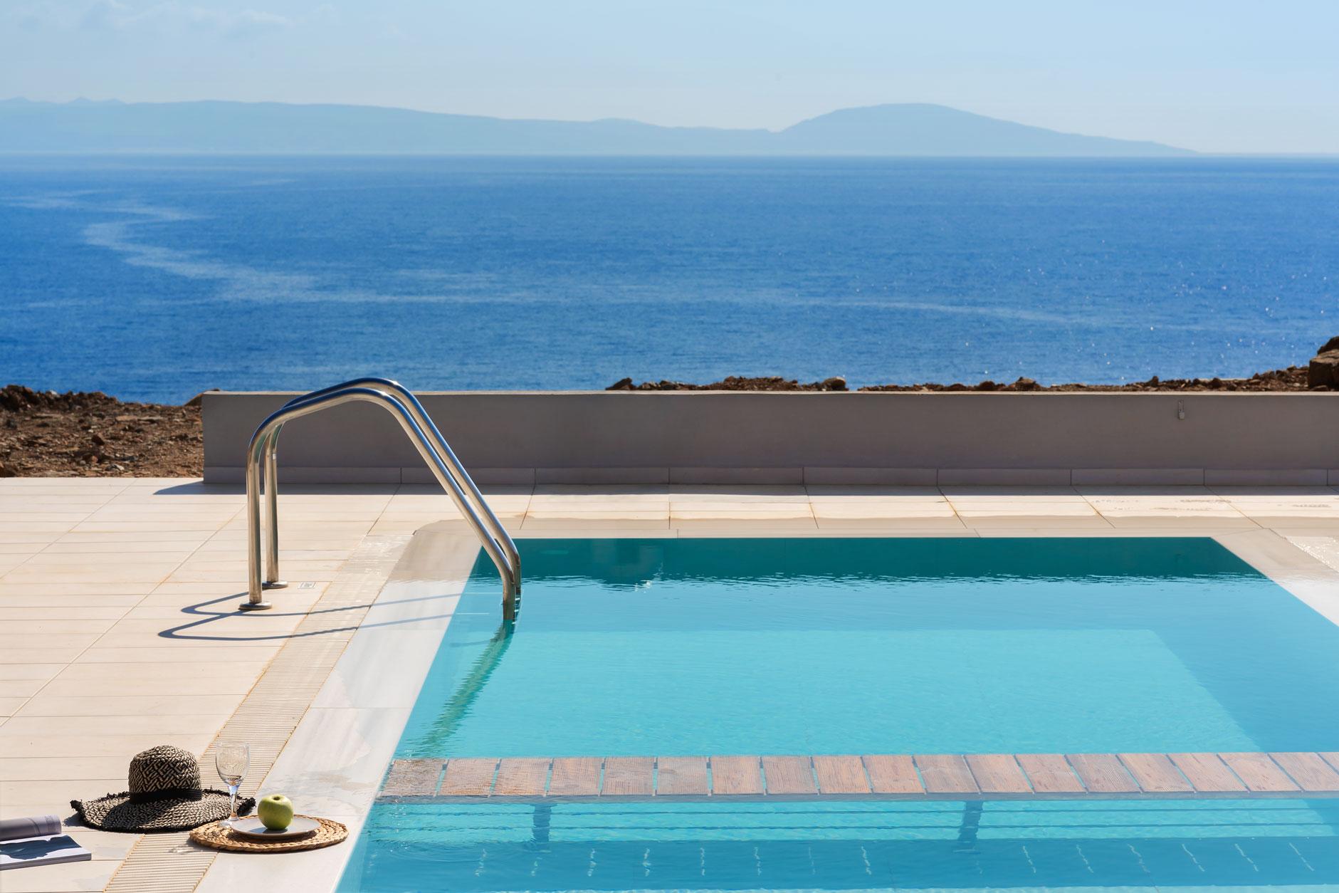 2-bedroom-superior-villa-pool
